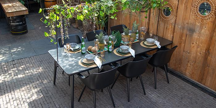 gedeckte Tischgruppe Urban Jungle